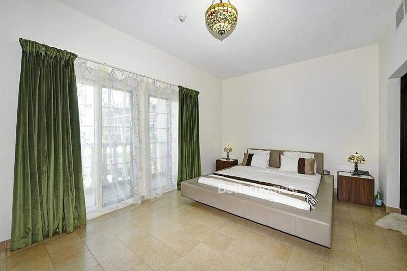 Fully Upgraded Unit | Park View | As New