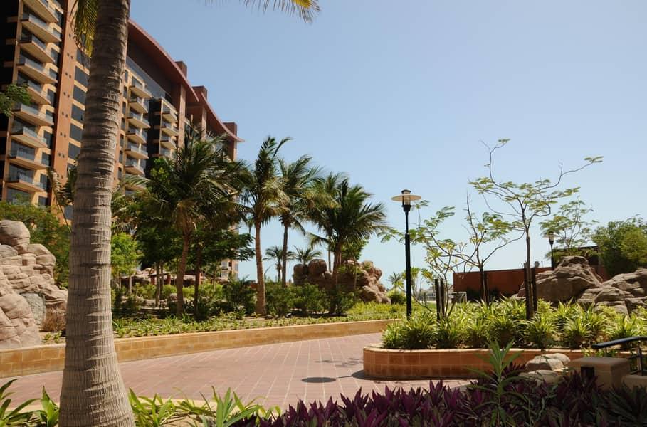 15 Spacious 1Bedroom  in Tiara Residences Palm Jumeirah