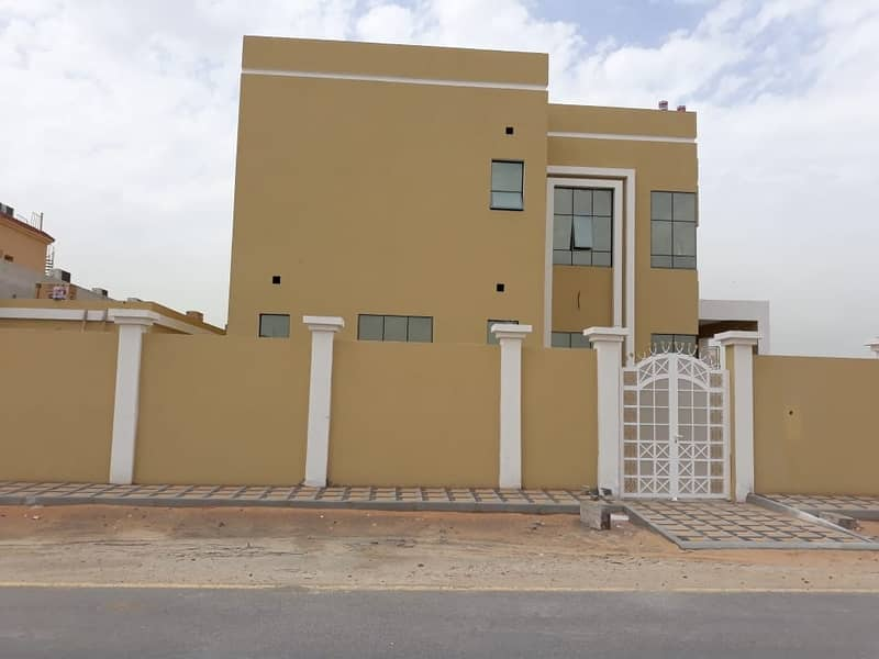 For sale a new two-story villa with a corner of two streets with an extension