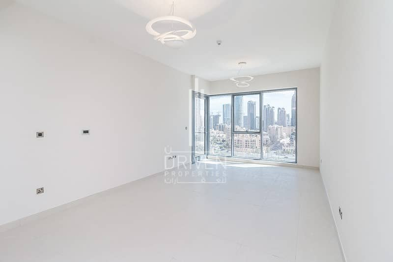 Prime Location |Ready Spacious 1 Bed Apt
