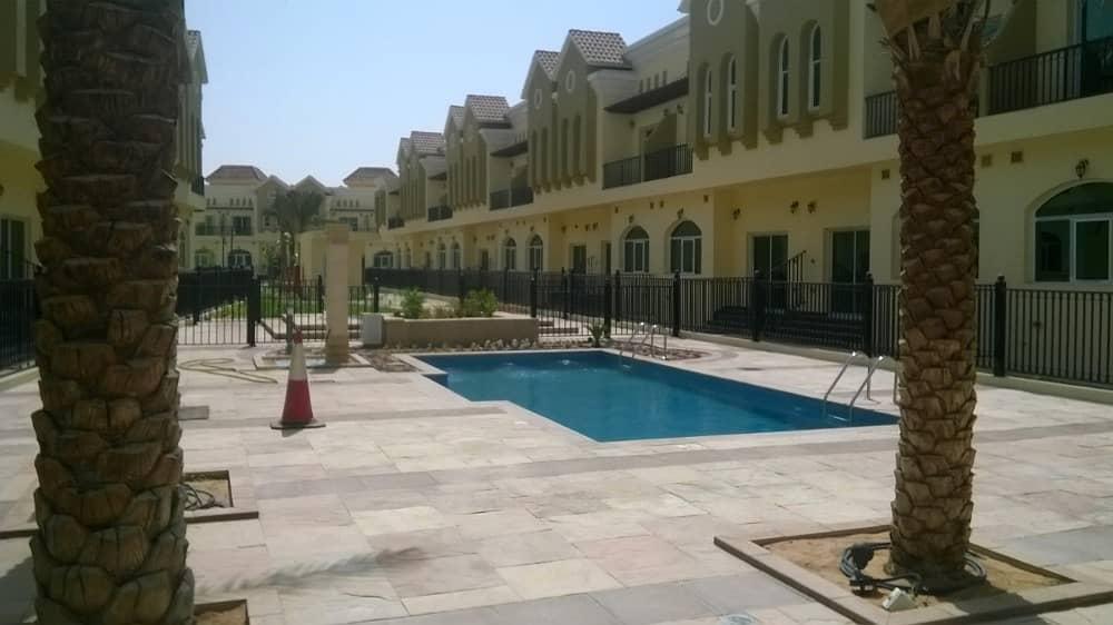 فیلا في صحارى ميدوز مجمع دبي الصناعي 3 غرف 775000 درهم - 3851383