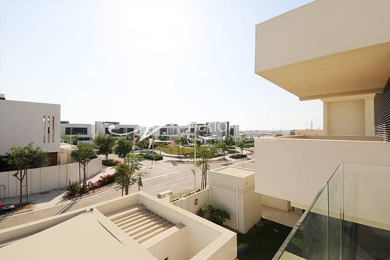 10 Impressive 5BR Villa | Quality Finishing