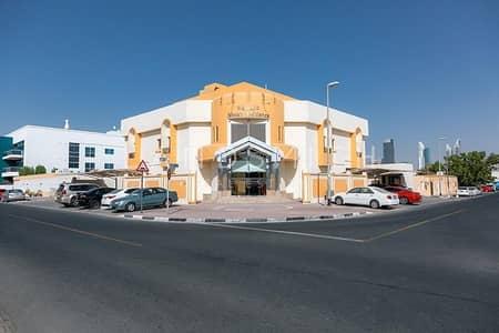 شقة 2 غرفة نوم للايجار في جميرا، دبي - Unfurnished Large 2BR Apartment in Jumerah 1