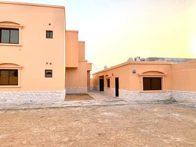 4 Bedroom Villa for Sale in Al Rahmaniya, Sharjah - For sale a large area villa in Rahmaniya 3