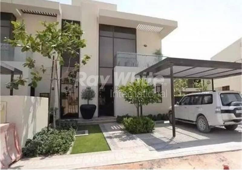 Beautiful 5 Beds Villa in  Akoya  Oxygen