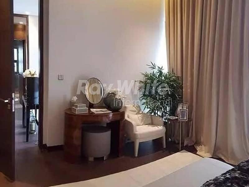11 Beautiful 5 Beds Villa in  Akoya  Oxygen