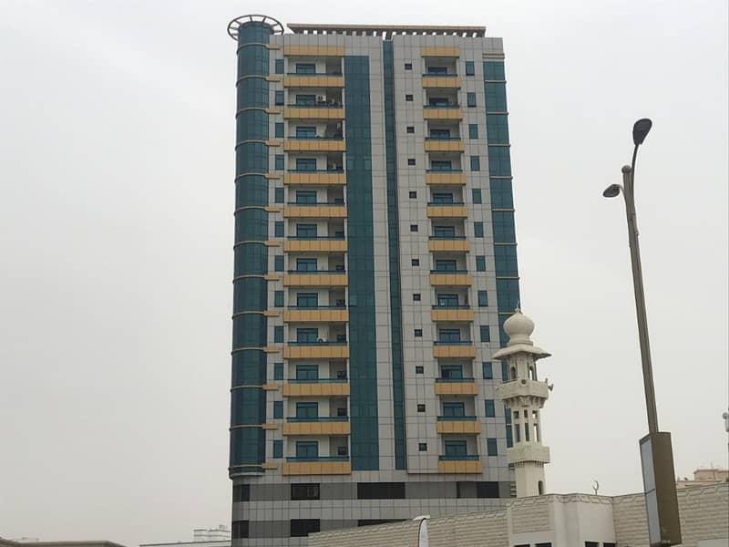 بناية للبيع في الكورنيش عجمان