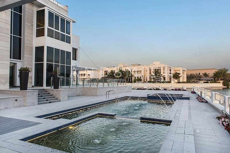 18 Luxurious 8BR Villa on the Lake in Emirates Hills