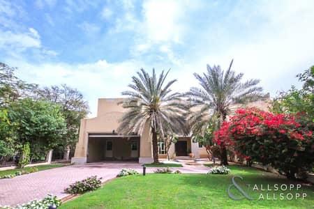 4 Bedroom Villa for Rent in Jumeirah Islands, Dubai - Renovated | 4 Bedrooms | Main Lake Views