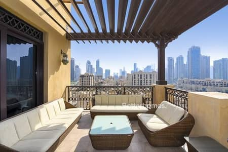 3 Bedroom Apartment for Sale in Old Town, Dubai - Amazing 3BR penthouse apartment wit full Burj Kalifa view .