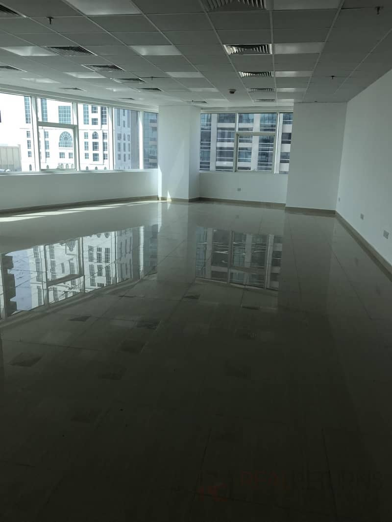 2 Brand New Fully Fitted Office on Low Floor [KH]