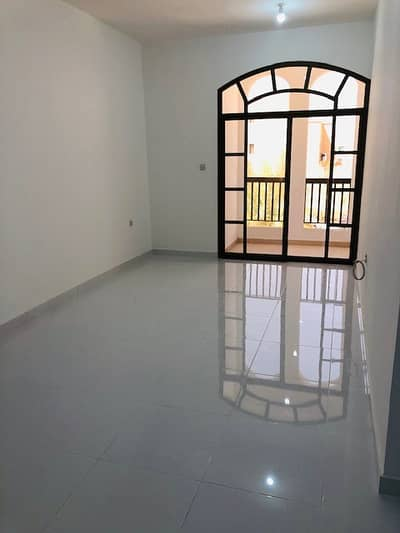 Studio for Rent in Al Maqtaa, Abu Dhabi - NEAT BRAND-NEW STUDIO  WITH WIFI AND PRIVATE PARKING  FOR RENT AT BAIN AL JISRAIN NEAR FAB BANK