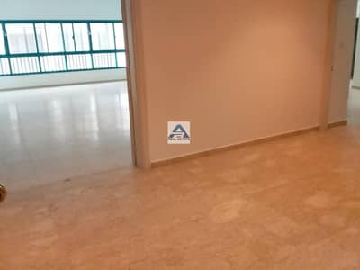 Large 3 bhk located on Khalifa