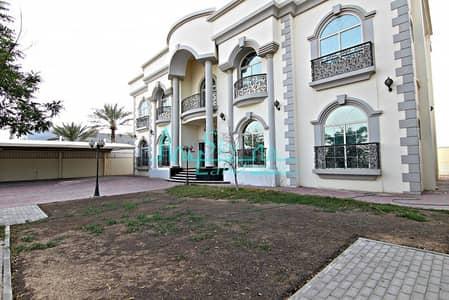 فیلا 8 غرفة نوم للايجار في أم الشيف، دبي - GRAND 8 BEDROOM+MAIDS VILLA WITH GARDEN IN UMM SUQEIM