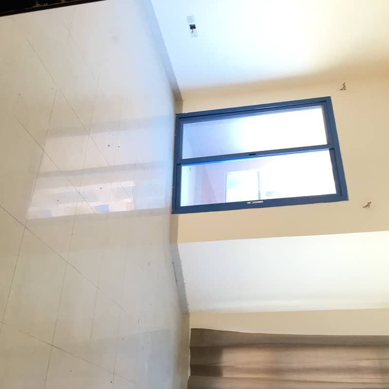 DEAL OF THE DAY FOR RENT 2 BED HALL WITH CLOSED KITCHEN IN NAUIMIA TOWERS 34000 ONLY