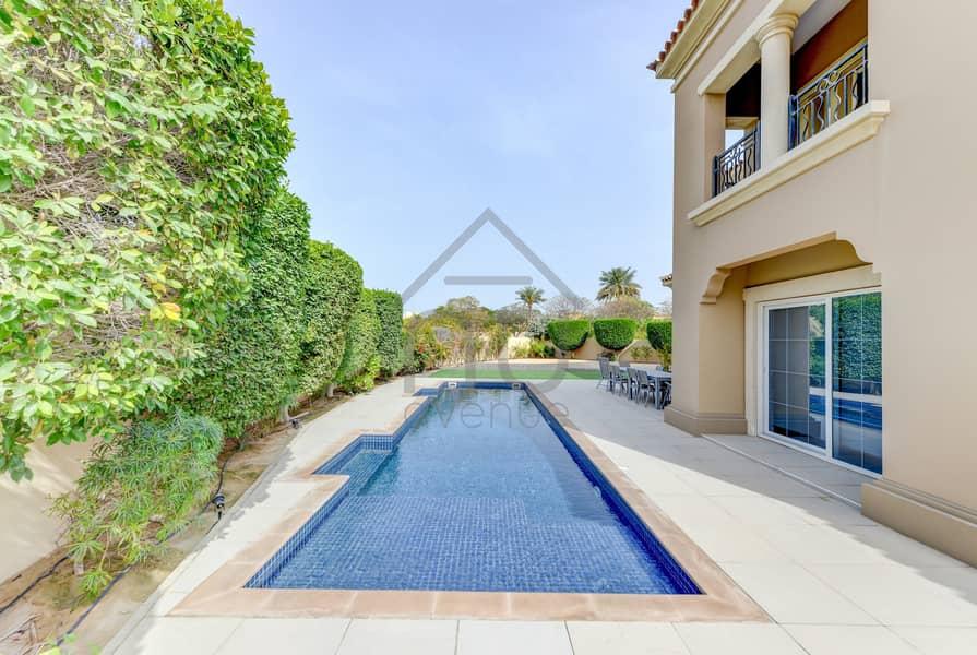 2 Exclusive | Stunning 5BR Villa | Huge Plot