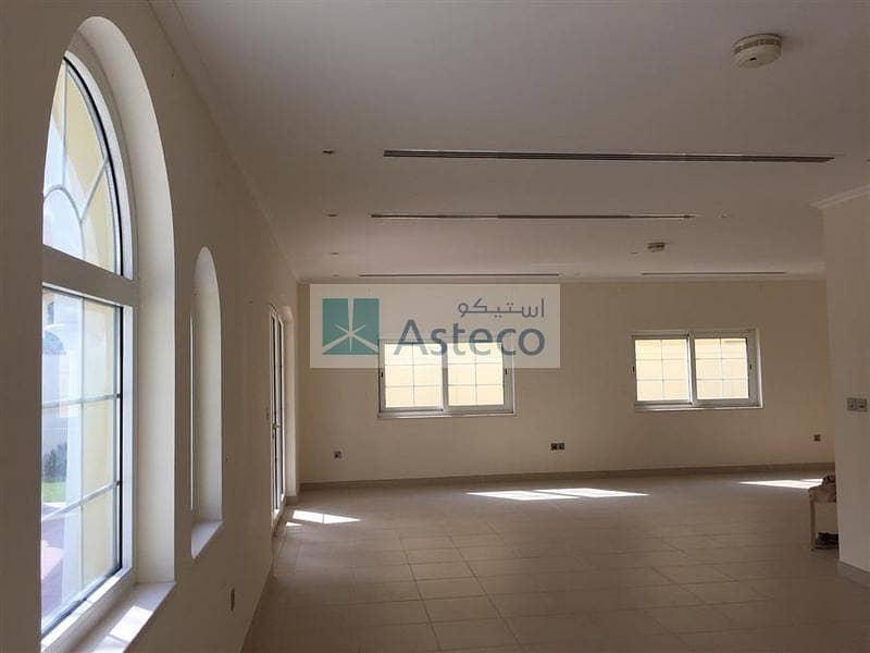 8 3BR  Villa Easy viewing at Jumeirah Park
