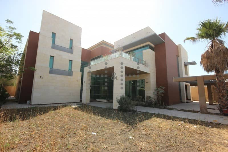 19 Contemporary Villa - Best Location- Put your offer