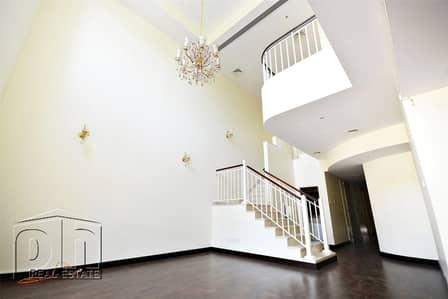 3 Bedroom Villa for Rent in The Lakes, Dubai - Great Location   Immaculate  3Bed+Maid+Study