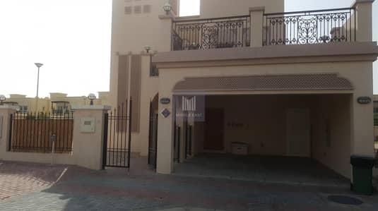 فیلا 2 غرفة نوم للايجار في مثلث قرية الجميرا (JVT)، دبي - 2 BR+ maid Villa in District 8 Available