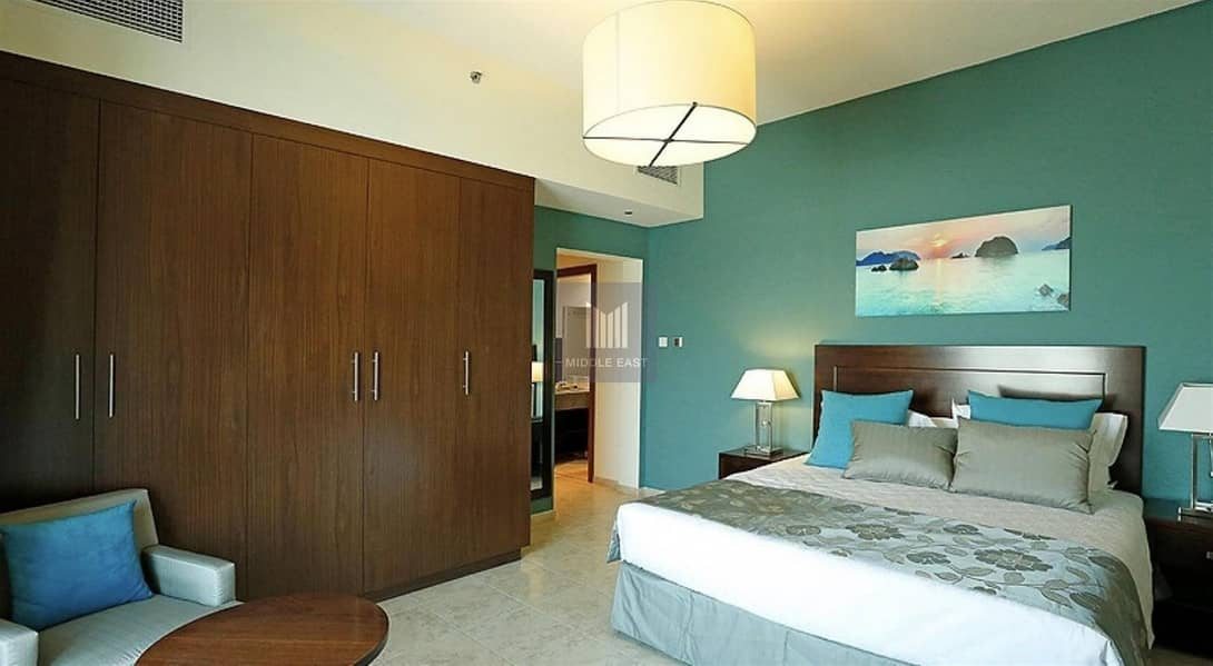 |HOT Offer Unfurnished 1 Bed Apartment |