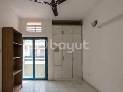 استوديو  للايجار في بر دبي، دبي - شقة في الحمریة بر دبي 33000 درهم - 3593204
