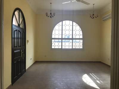 5 Bedroom Villa for Sale in Al Gharayen, Sharjah - For sale villa at a distinctive price in Al Qaren