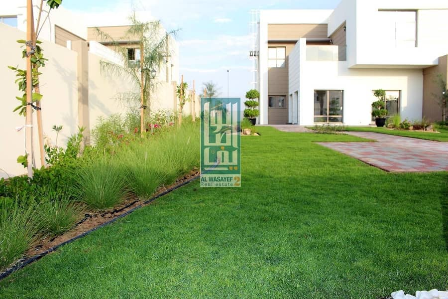 2 Ready to move_OWN Freehold Luxury villa 5br_with Large garden