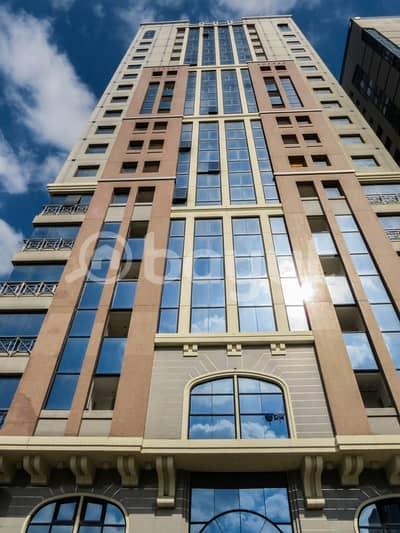 شقة في برج الجميرا شارع النجدة 1 غرف 50000 درهم - 3918129