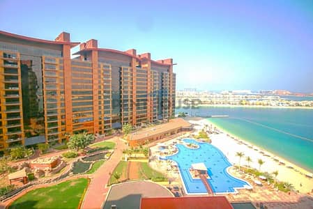 3 Bedroom Flat for Sale in Palm Jumeirah, Dubai - Sea view High Floor 3 Bedroom Beachfront Apartment