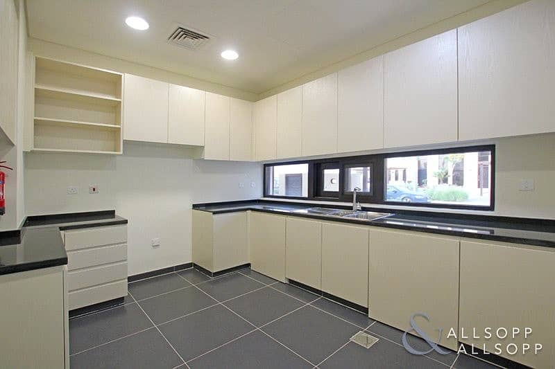 2 Brand New | TH-M1 Close to Park | 3 Beds