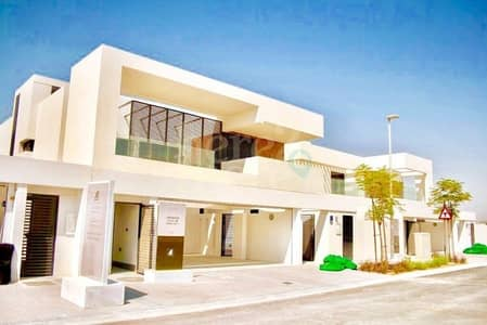 5 Bedroom Villa for Sale in Yas Island, Abu Dhabi - Panoramic and Charming!! 5 Bedroom Villa Double Row