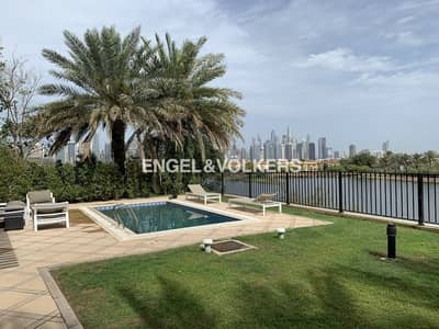4 Bedroom Villa for Rent in Jumeirah Islands, Dubai - Lake view | Garden Hall | Ready to Move in