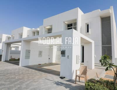 تاون هاوس 3 غرفة نوم للبيع في مدن، دبي - Quiet and Peacefull 3 B/R TH in Arabella (SINGLE ROW)