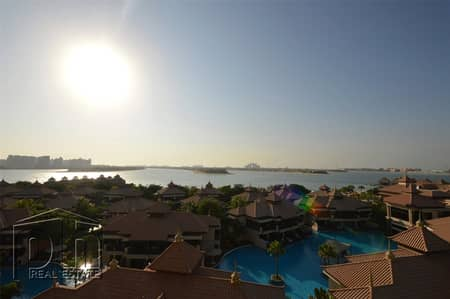 1 Bedroom Flat for Sale in Palm Jumeirah, Dubai - Penthouse floor I 5* facilities I One of kind