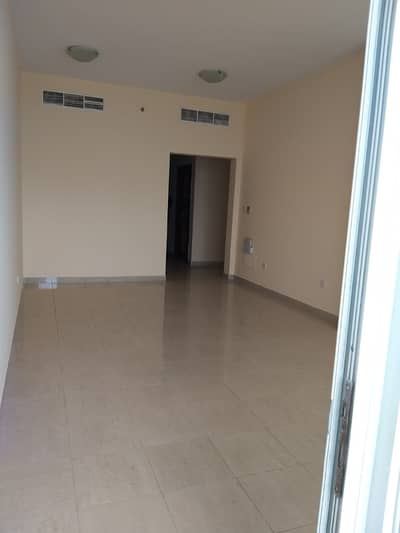 2 Bedroom Flat for Rent in Al Majaz, Sharjah - HUGE 2 BEDROOM APARTMENT WITH  PARKING FREE AND WITH A BEAUTIFUL VIEW OF BUHAIRA CORNISH