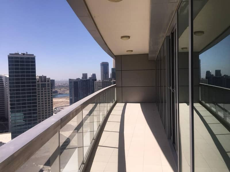 Stunning 1BR with Study Room in 8 Blvd Walk Downtown(Available 1st week of February)