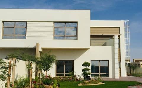 تملك فيلتك بالشارقة جاردن سيتي  , مجمع سكني بالشارقة باقساط ميسرة ومساحات كبيرة للفلل والارض  .