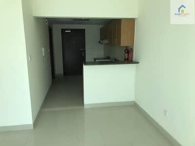 شقة 1 غرفة نوم للايجار في مدينة دبي الرياضية، دبي - Spacious vacant flat with closed kitchen