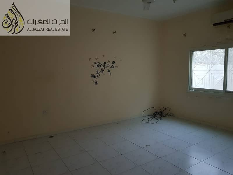2 5 Bhk villa for Rent in Al Qadissiya aria.