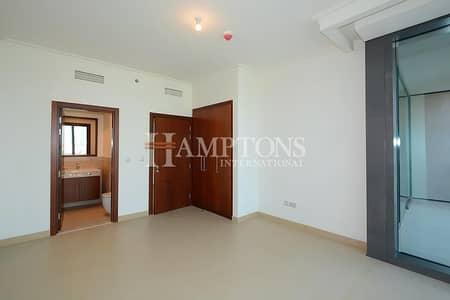 2 Bedroom Apartment for Sale in Downtown Dubai, Dubai - High Floor Sea View | 2BR in Burj Vista