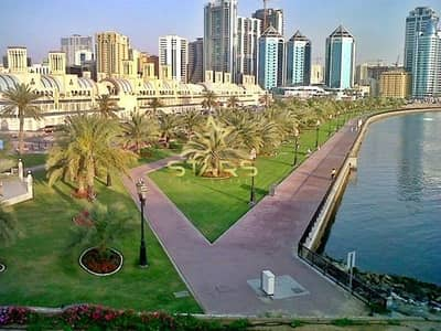 3 Bedroom Flat for Sale in Corniche Al Buhaira, Sharjah - 3 Bedroom Apt with Memorizing Lake View