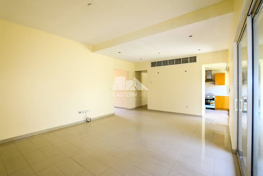 2 Living and Dining Area