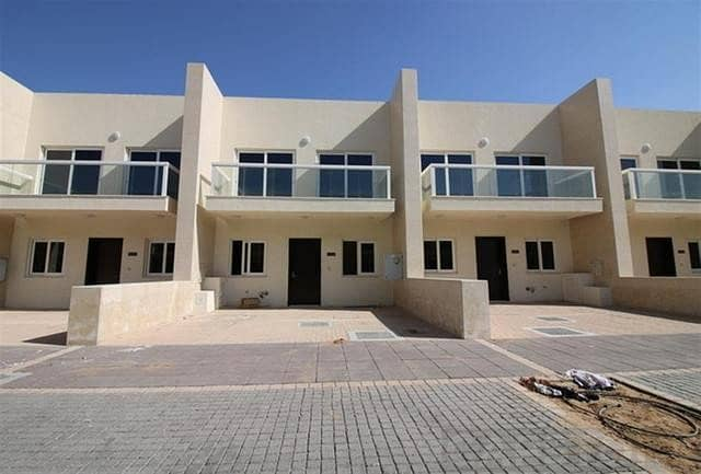 Three Bedroom Townhouse in Warsan Village For Sale International City