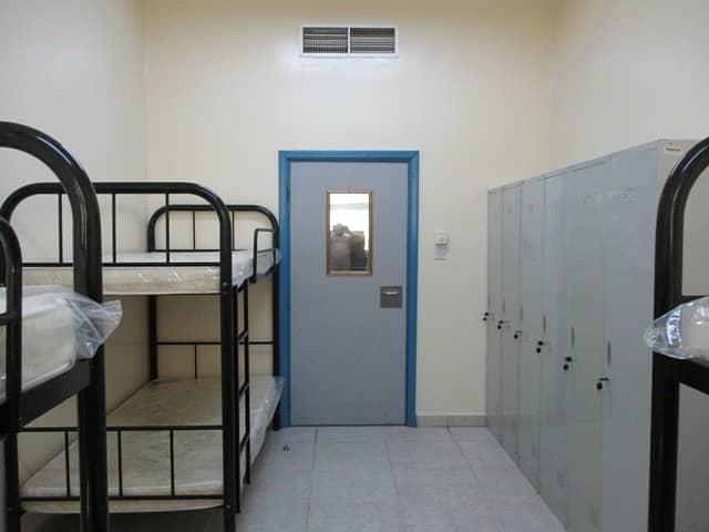 سكن عمال في المنطقة الصناعية 11 غرف 2250000 درهم - 3459085
