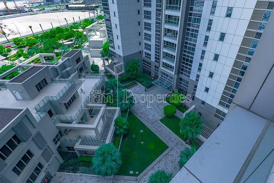 Luxurious Garden Apartment