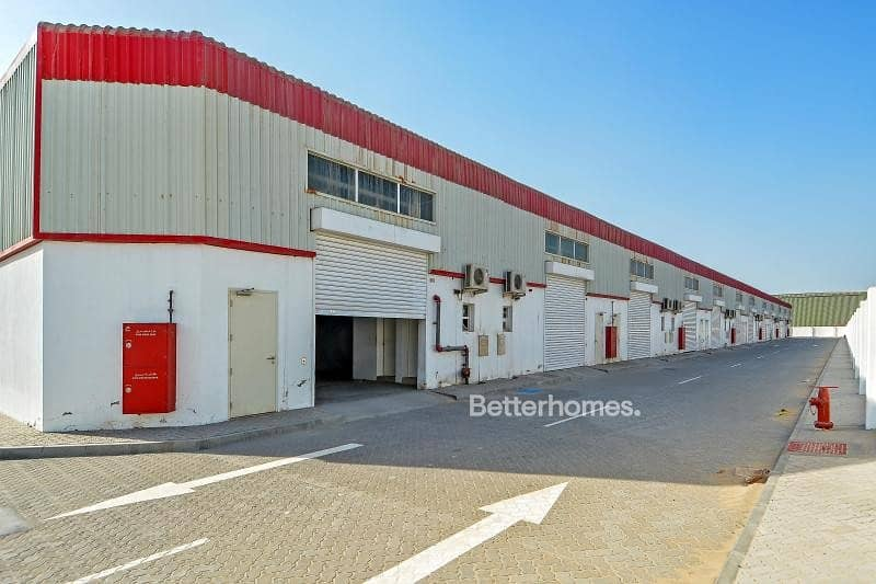 Good storage space Warehouse in Mussafah
