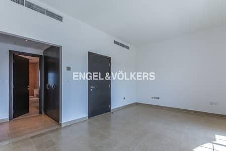 تاون هاوس 1 غرفة نوم للبيع في دائرة قرية جميرا JVC، دبي - Middle Unit | Landscaped Garden | Exits