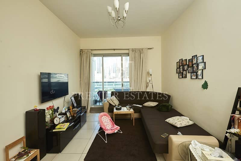 1Bed in Armada Tower with great views of SZR