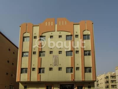 مبنى سكني  للايجار في مويلح، الشارقة - مبنى سكني في مويلح 495000 درهم - 3961759